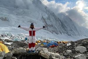 «Сейчас на горе один ябатька и одна с БЧБ»: Рассказываем про трех беларусок с Эвереста