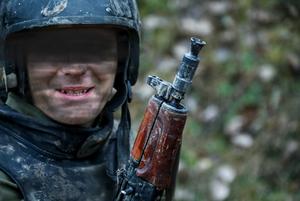 «Получилось эпично комично»: Как госСМИ теперь маскируют силовиков, чтобы их никто не узнал