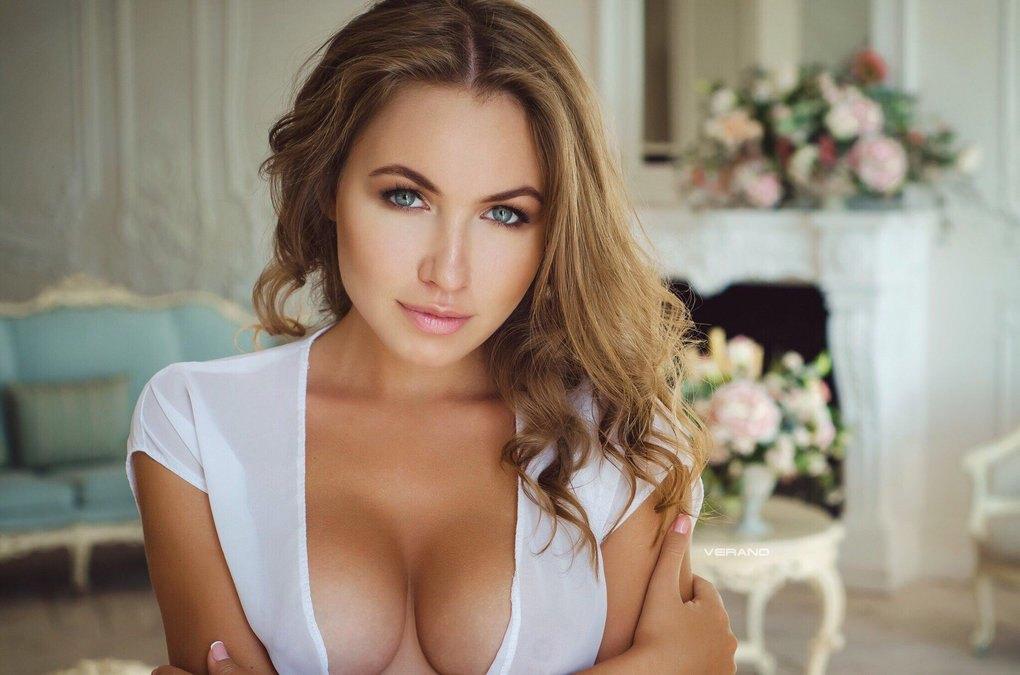 Ню девушка модель работа работа для девушки дома
